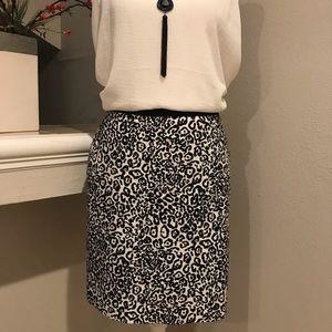 Ann Taylor Petite Blk/White Skirt Sz 4P